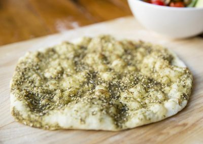 Manakich bi Zatar: €5.50/portion of 6 pieces