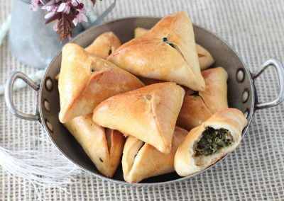 Fatayer bi Sabanikh: €5.50/portion of 6 pieces